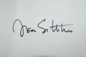 Lisa Scottoline Autograph